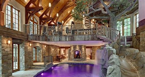lakefront dream home lists  indoor treehouse    market pricey pads
