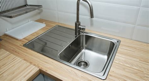 clean kitchen sink stainless porcelain aluminum
