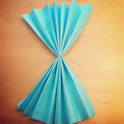 tutorial    diy giant tissue paper flowers