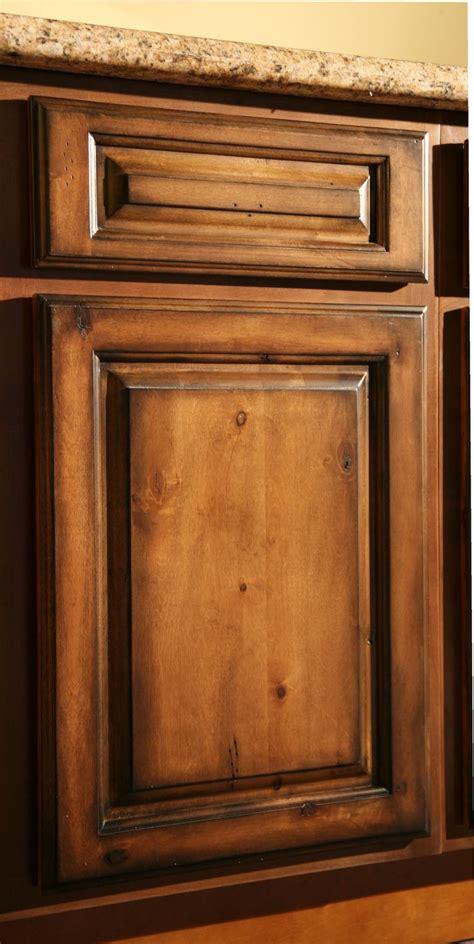 kitchen cabinet finishes pecan maple glaze kitchen
