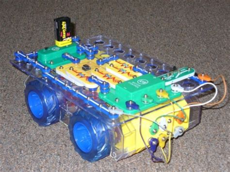Simple Snap Circuits Programmable Robot Make