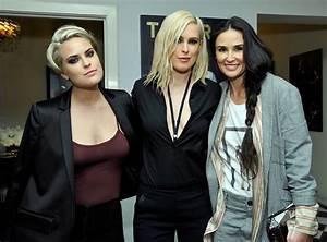 ¡Como hermanas! Demi Moore disfruta de una noche de ...