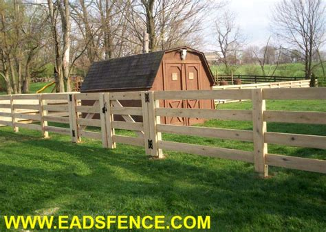 Eads Fence Co.. 4 Rail Board Fence