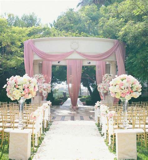 fiori in chiesa matrimonio decorazioni floreali per un matrimonio in chiesa letteraf