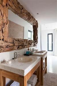 Tapis De Bain Bois : miroir en bois flott lavabos design tapis de bain en beige et meubles sous lavabos en bois ~ Melissatoandfro.com Idées de Décoration