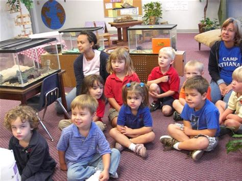 northside christian pre school creation critters 777 | Looking at the animals