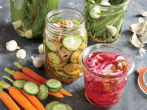 whats  difference  fermenting  pickling