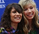 Debra McCurdy, Mother Of Jennette McCurdy Dies After Fight ...