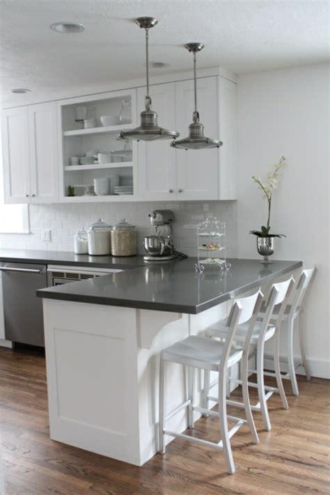cuisines de a à z découvrir la beauté de la cuisine ouverte petites cuisines blanches amenagement