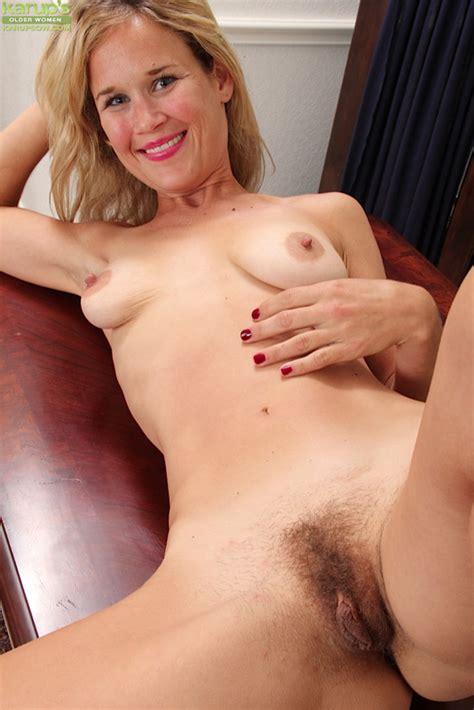 Office Milf Katherine Jackson Butt Naked On Her Desk