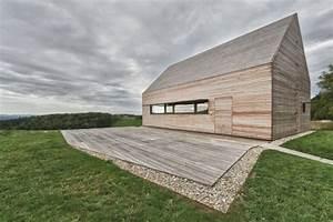 Haus Mit Holzverkleidung : tolle d cher giebeldach als akzent in modernen h usern ~ Bigdaddyawards.com Haus und Dekorationen