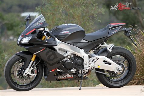 Review Aprilia Rsv4 Rr by Review 2015 Aprilia Rsv4 Rr Bike Review