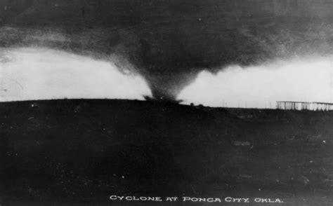 tornade meteo photo ancienne  la boite verte