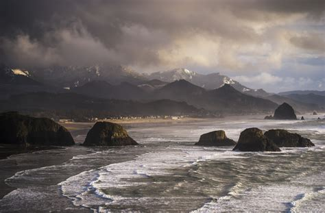 winter weather comes to the oregon coast cannon beach