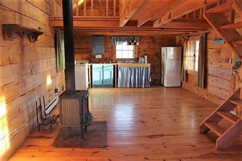 sq ft tiny log cabin   acres  viola wi listed