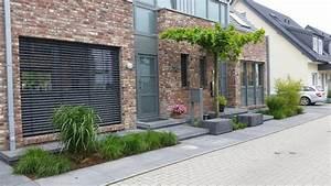 Gartengestaltung Doppelhaushälfte Bilder : moderner vorgarten ~ Whattoseeinmadrid.com Haus und Dekorationen