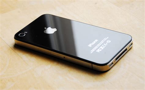 iphone 4 and 4s iphone 4 review maximum pc