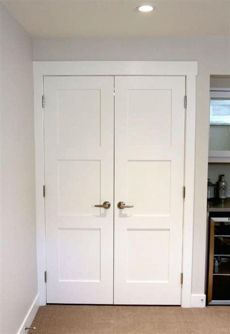 Shaker Style Closet Doors by 1000 Ideas About Closet Door Storage On