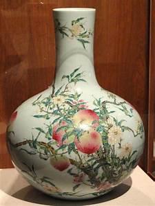vase, with, nine, peach, design