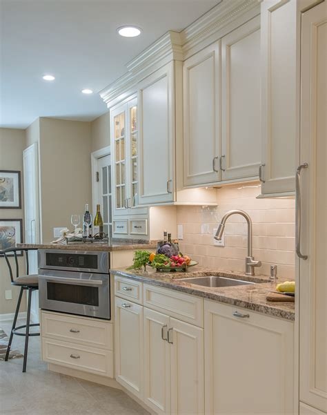 Traditional Kitchen Cabinets With A Homey Ambiance Plain