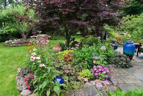 Backyard Garden Florist by Raised Beds For Easy Low Maintenance Backyard Gardens