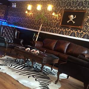 Tattoo Studio Offenburg : inside edmontons best tattoo studio bombshell tattoo amazing quirky steampunk interior design ~ Orissabook.com Haus und Dekorationen