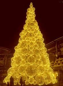 yellow christmas christmas time happy yellow xmas mellow yellow golden lady gold christmas