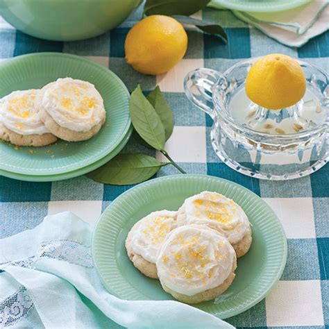 I wanted to really like this place. Frosted Lemon Sugar Cookies - Paula Deen Magazine