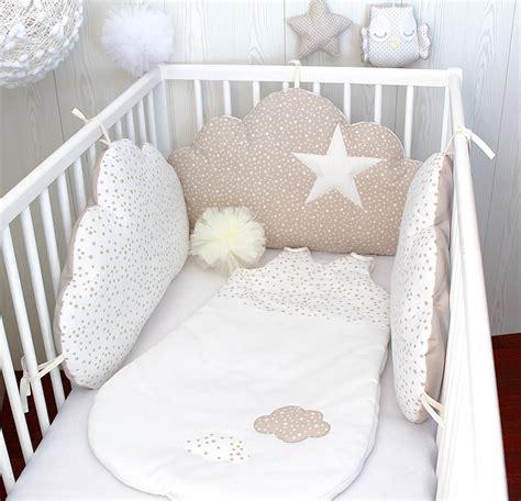 tour de lit bebe garon tour de lit b 233 b 233 nuages fille ou gar 231 on 3 grands coussins 224 petites 233 toiles couleur blanc