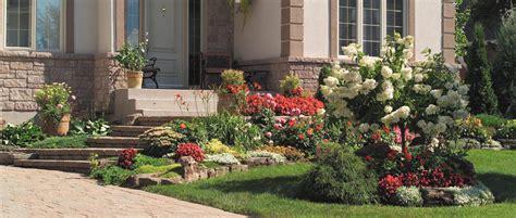 amenager jardin devant maison great amenagement rocaille en pente with amenager jardin devant