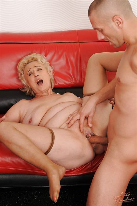 Sultry Granny In Stockings Has Some Hardcore Fun With A