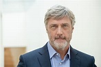 Sexy actor Vincent Regan is joining the Cornwall casts of ...