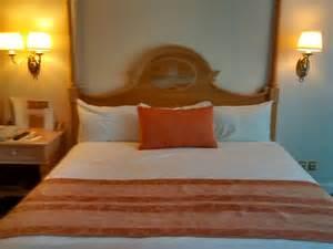 chambre hotel au mois la chambre au disneyland hotel disneyland bons plans