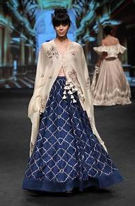 unique-bridal-lehenga-designs-lakme-fashion-week-2017 - Blog