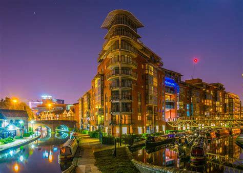 Birmingham: indústria e chocolates no coração do Reino Unido