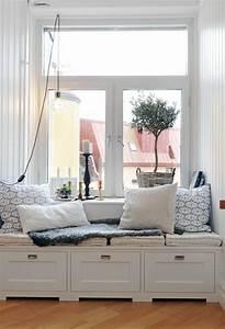 Aussaat Auf Der Fensterbank : 43 ideen f r behagliche sitzecke auf der fensterbank ~ Whattoseeinmadrid.com Haus und Dekorationen