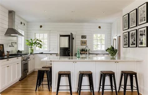 which color is for kitchen 25 best ideas about white cottage kitchens on 2036