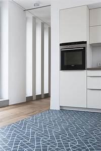 Holzdielen In Der Küche : k che mit grafischem fliesenboden ~ Markanthonyermac.com Haus und Dekorationen