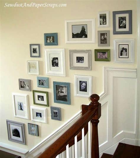 Wand Mit Bilderrahmen Gestalten by Cove Design Frame Your Blank Wall Collage Of Frames