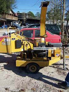 Vermeer 625 Brush Chipper In Action -