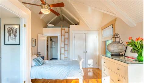 chambre adulte petit espace lit mezzanine 2 places escalier excellent lit mezzanine 2