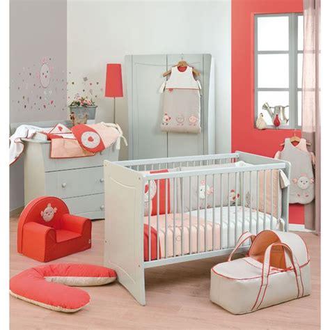 chambre bébé de luxe décoration chambre bébé corail enfants