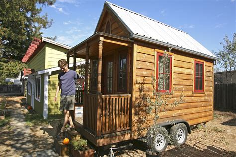 Small Homes : Tiny Homes Can Mean Big Lifestyle Squeeze-today.com