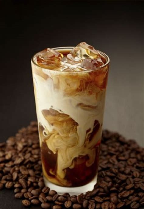 This iced coffee trick is so easy, there's no excuse not to try it! Top 10 Easy Coffee Recipes - Top Inspired