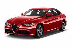 Alfa Romeo Giula : alfa romeo giulia reviews research new used models motor trend ~ Medecine-chirurgie-esthetiques.com Avis de Voitures