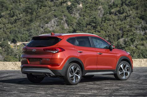Tucson pushes the boundaries of the segment with dynamic design and advanced features. 2017 Hyundai Tucson Limited Review - Long-Term Update 4