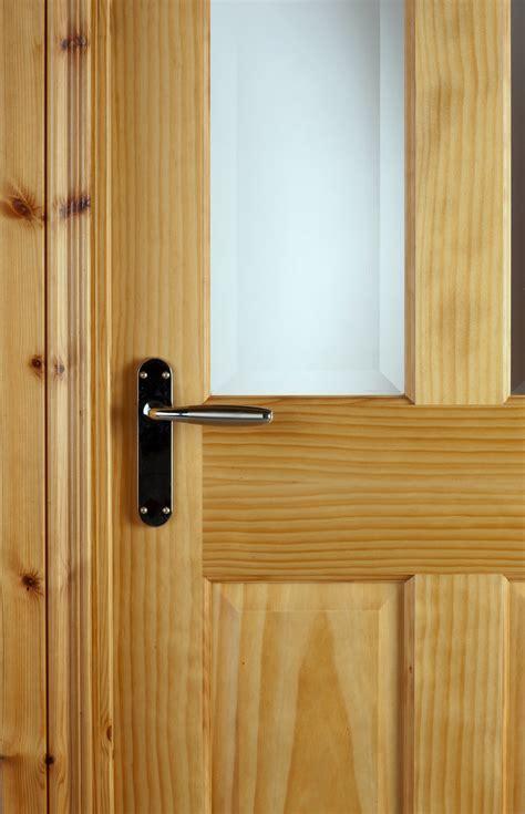 Oxford Pre Glazed Radiata Pine Door (40mm)   Internal