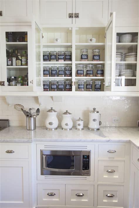 rangement verre cuisine rangement cuisine fonctionnel en 15 idées astucieuses et
