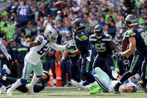 seattle seahawks dallas cowboys game preview wild card