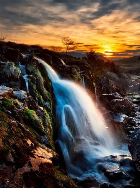 awesome waterfall  doozy list